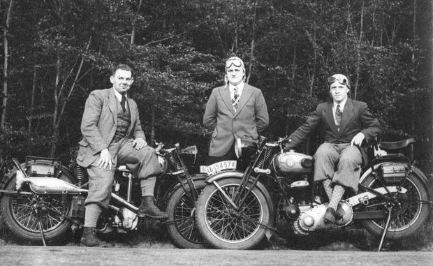 gro bild zwei vorkriegs motorr der modell horex t5. Black Bedroom Furniture Sets. Home Design Ideas